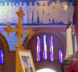 Pe. Ezequiel Ramin e Santa Teresinha, na abertura do Mes das Missões, outubro de 2019 no santuario nacional de Aparecida, juntamente com as Pontifícias Obras Missionarias
