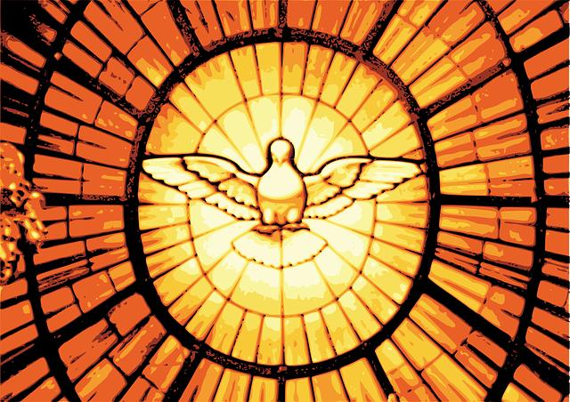 O espirito santo é a força de Jesus que segura e empurra o povo para lutar pela vida, diante da Bandeira do Brasil hackeada que produz ossos e morte