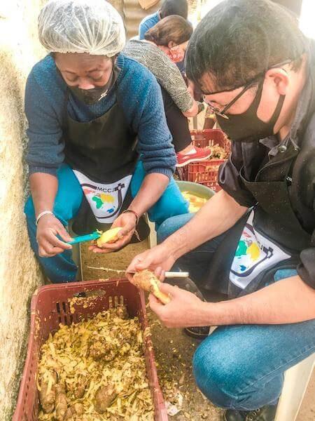 na pandemia o amor e serviço voluntário dos missionarios e leigos ajudou a defender a vida de muitos pobres e moradores de rua; saude missao combonianos brasil ação solidaria