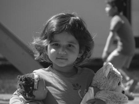 criancas natal amor presepio jesus familia menina boneca